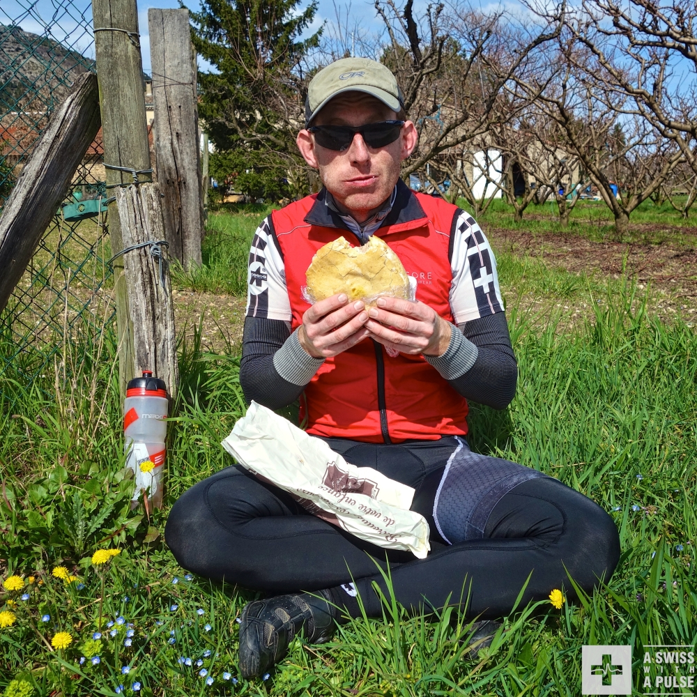 Our #bikelunch was a head sized pan bagnat